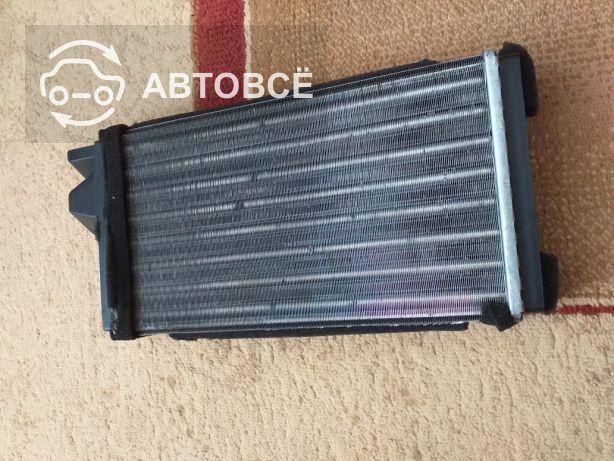 Радиатор печки ауди 100 с4 почти новый производитель Майли Германия