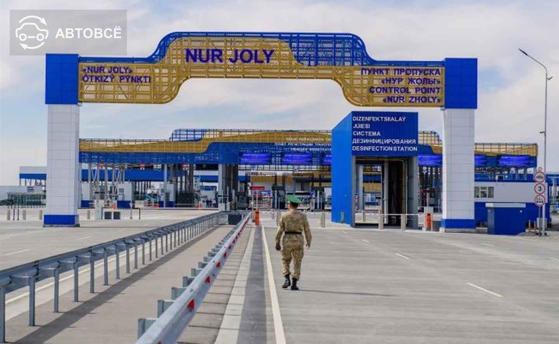 Скопление авто наблюдается на границе Казахстана и Китая