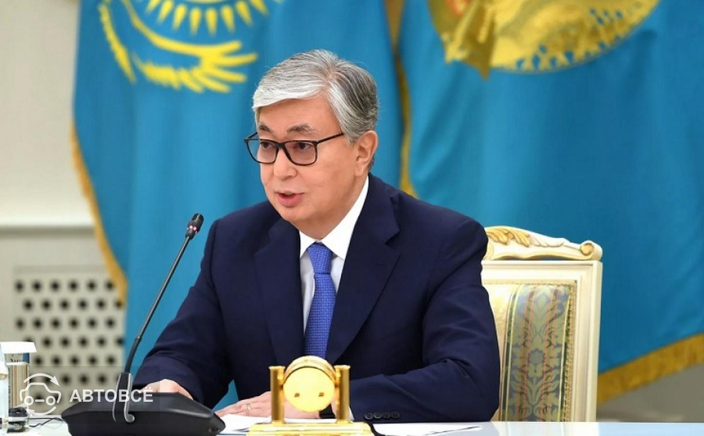 Президент РК подписал поправки в закон об автомобильном транспорте
