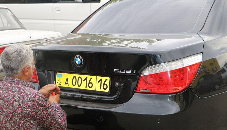 В Казахстане заканчивается срок постановки на учет авто из Армении